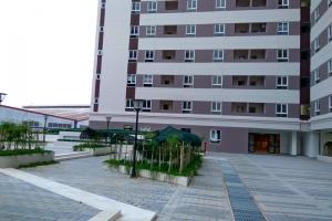 Cho thuê căn hộ 2 phòng ngủ đầy đủ nội thất tại City Tower, Bình Dương.